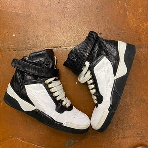 Givenchy Contrast High Top Sneaker